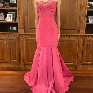 Pink formal gown/pageant dress
